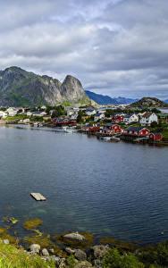 Bilder Norwegen Lofoten Haus Gebirge Kleine Städte Bucht Reine Städte