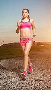 Bilder Sonnenaufgänge und Sonnenuntergänge Laufen Körperliche Aktivität Mädchens Sport