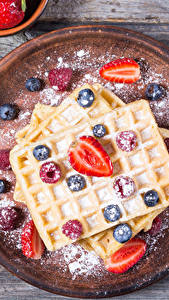 Pictures Pastry Berry Blueberries Honey Powdered sugar Strawberry Boards Food