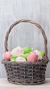 Fotos Feiertage Ostern Wände Eier Weidenkorb