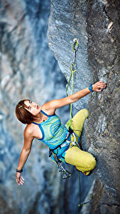 Image Mountaineering Crag Brown haired Mountaineer Hands Glance Girls Sport