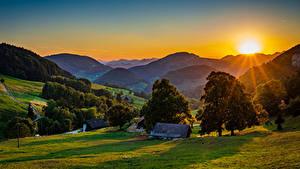Hintergrundbilder Deutschland Berg Sonnenaufgänge und Sonnenuntergänge Gebäude Sonne Bäume Landscape Belchen Natur