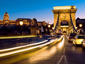 Bilder Budapest Ungarn Gebäude Brücken Wege Nacht Straßenlaterne Fährt