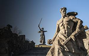 Bilder Denkmal Mann Wolgograd The Motherland Calls, Mamayev Kurgan