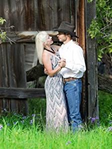 Bilder Paare in der Liebe Mann Erwachsene Frau Der Hut Blondine Gras Tanz