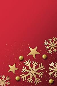 Fotos Neujahr Schneeflocken Roter Hintergrund Vorlage Grußkarte