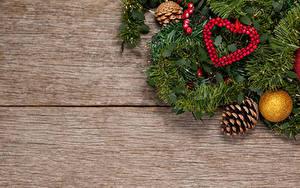 Bilder Neujahr Bretter Ast Zapfen Kugeln Herz