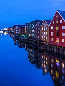 Hintergrundbilder Norwegen Gebäude Abend Kanal Spiegelung Spiegelbild Trondheim Städte