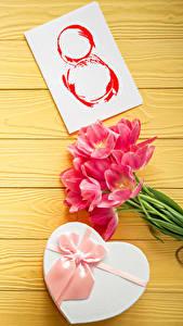 Hintergrundbilder Feiertage Internationaler Frauentag Tulpen Bretter Geschenke Schleife Blüte