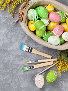 Fotos Feiertage Ostern Ei Pinsel