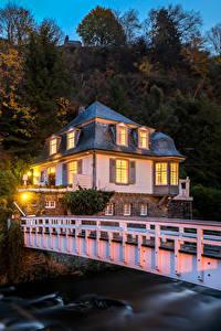 Bilder Deutschland Haus Brücke Abend Eigenheim Monschau