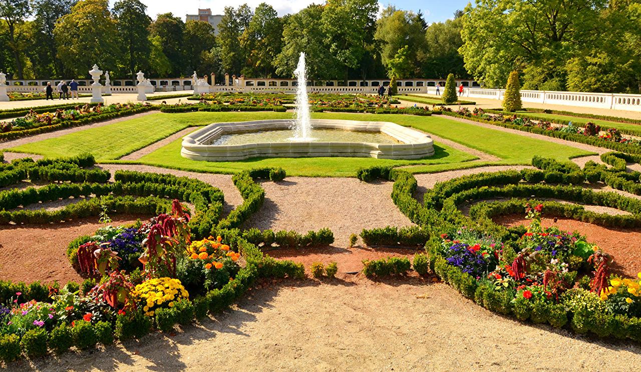 Photos Poland Fountains Branicki Palace Bialystok Gardens Lawn Cities