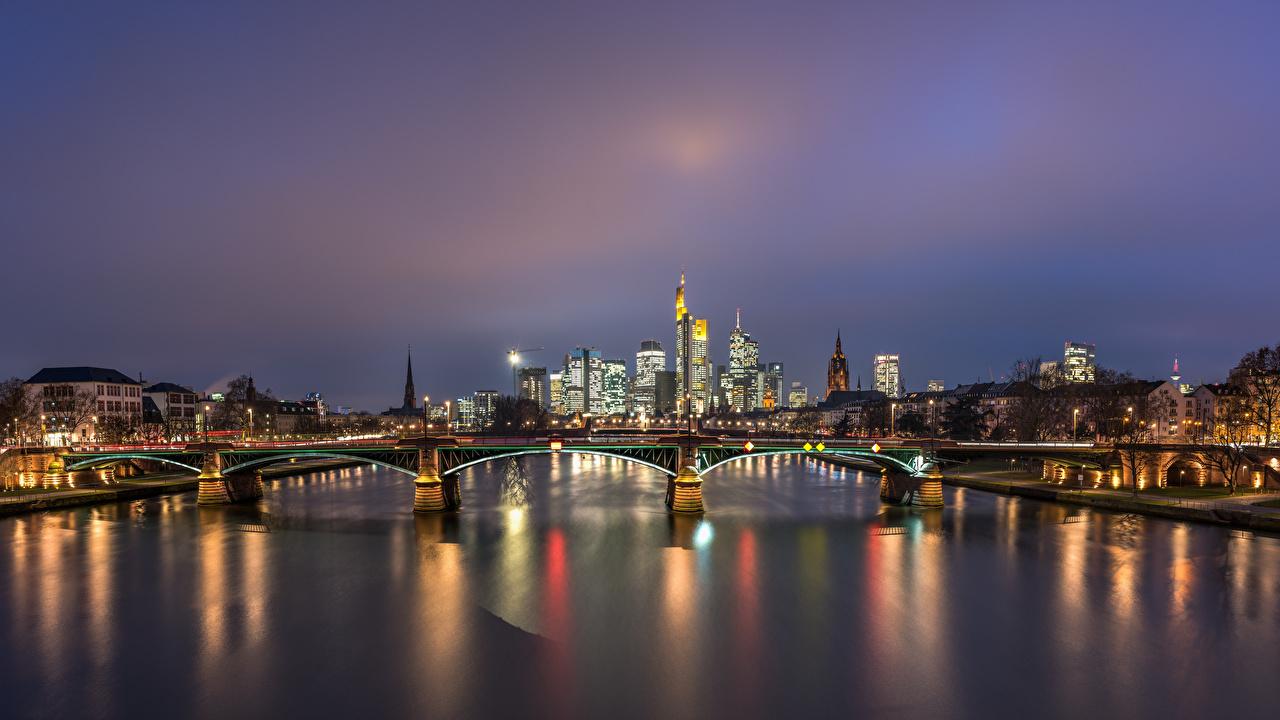 Bilder von Frankfurt am Main Deutschland Brücken Nacht Fluss Haus Städte Brücke Flusse Gebäude