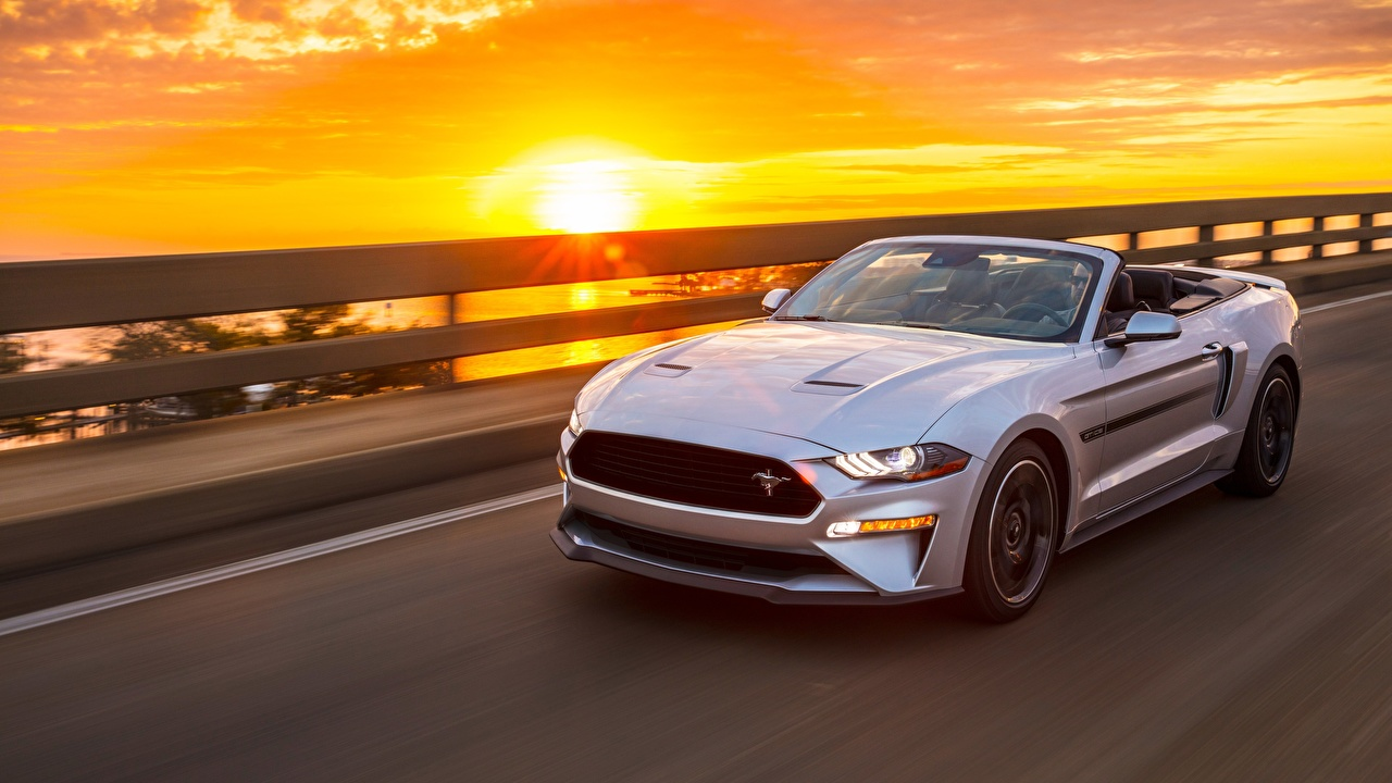 Desktop Wallpapers Ford Mustang GT, California Special, 2019 Cabriolet Silver color moving Sunrises and sunsets auto Convertible riding Motion driving at speed sunrise and sunset Cars automobile