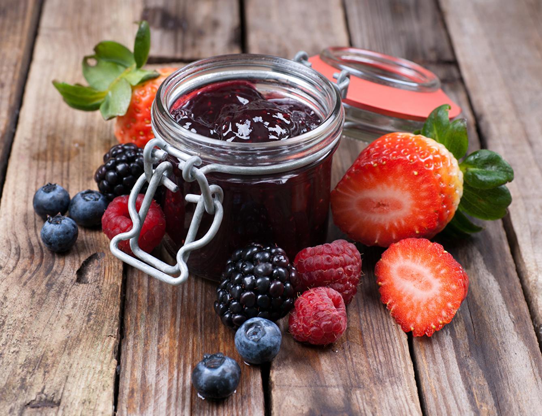 Desktop Wallpapers Fruit preserves Jar Raspberry Blackberry Strawberry Blueberries Food boards Jam Varenye Wood planks