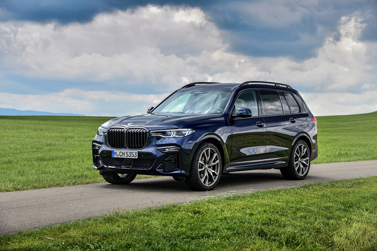Foto BMW Crossover X7, G07, M50i Blau auto Metallisch Softroader Autos automobil