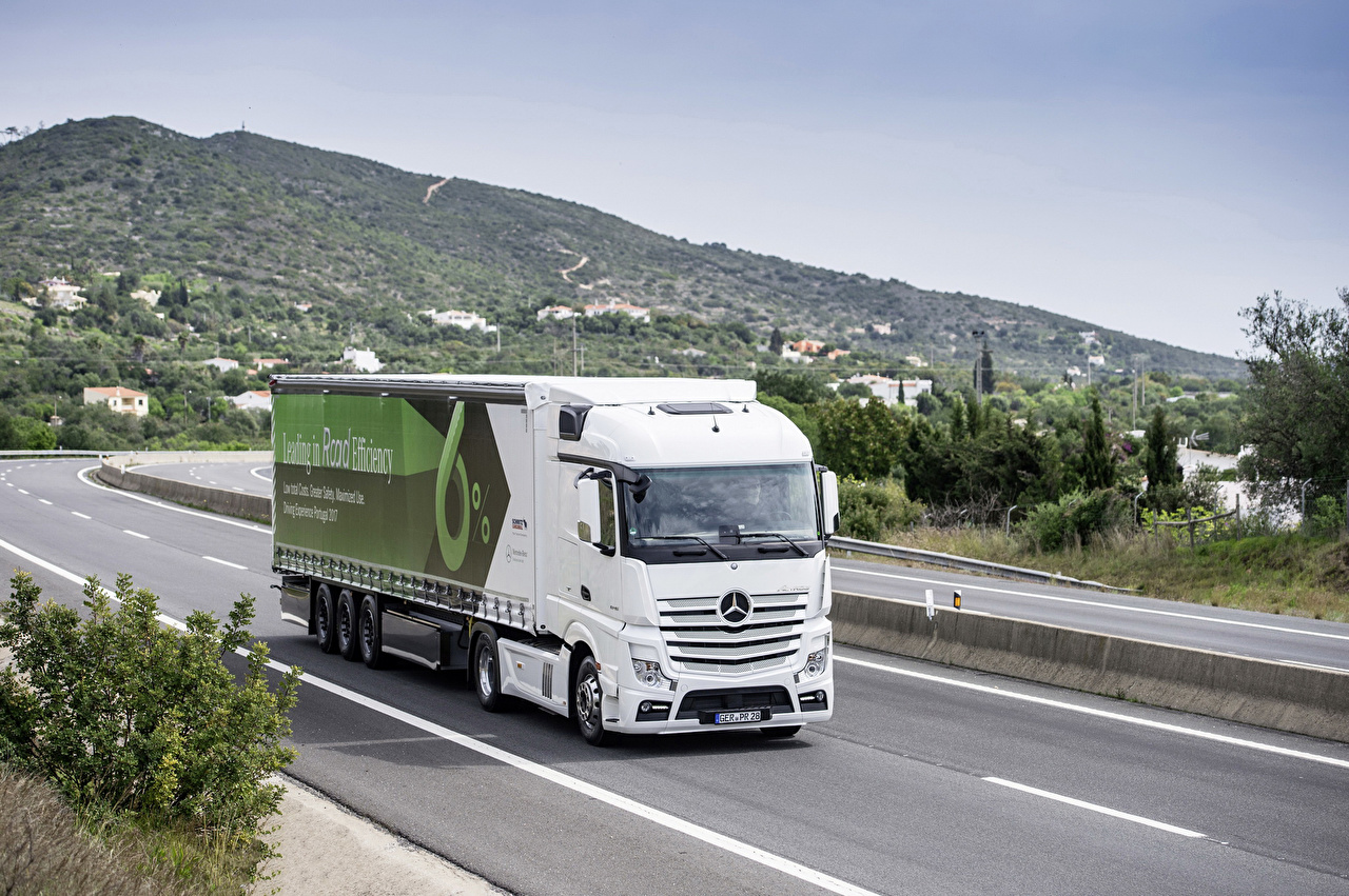 Photo lorry Mercedes-Benz 2017 Actros 1845 LS Roads automobile Trucks Cars auto