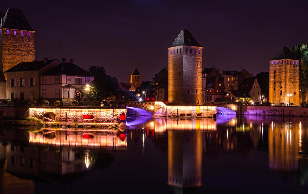 Fotos von Straßburg Frankreich Brücken Nacht Flusse Straßenlaterne Städte Gebäude Brücke Fluss Haus