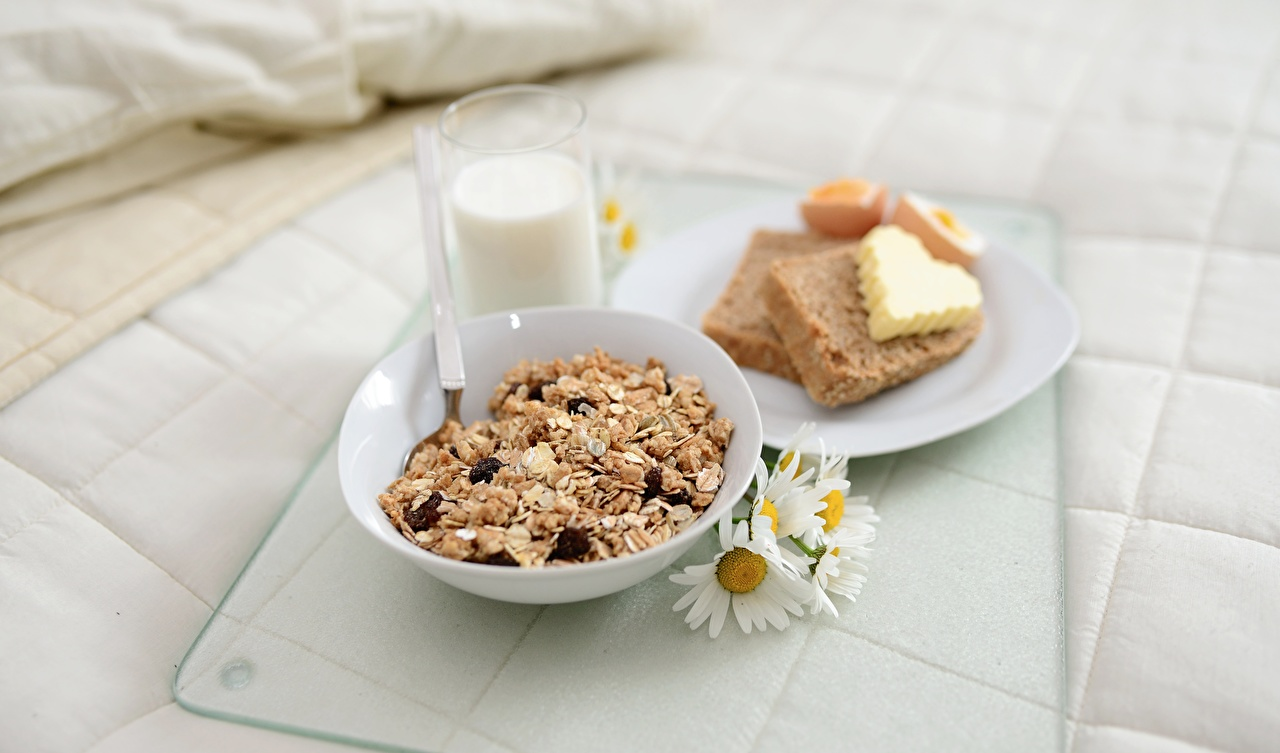 Photos Milk Heart Oil Breakfast Bread Camomiles Highball glass Food Plate Muesli matricaria