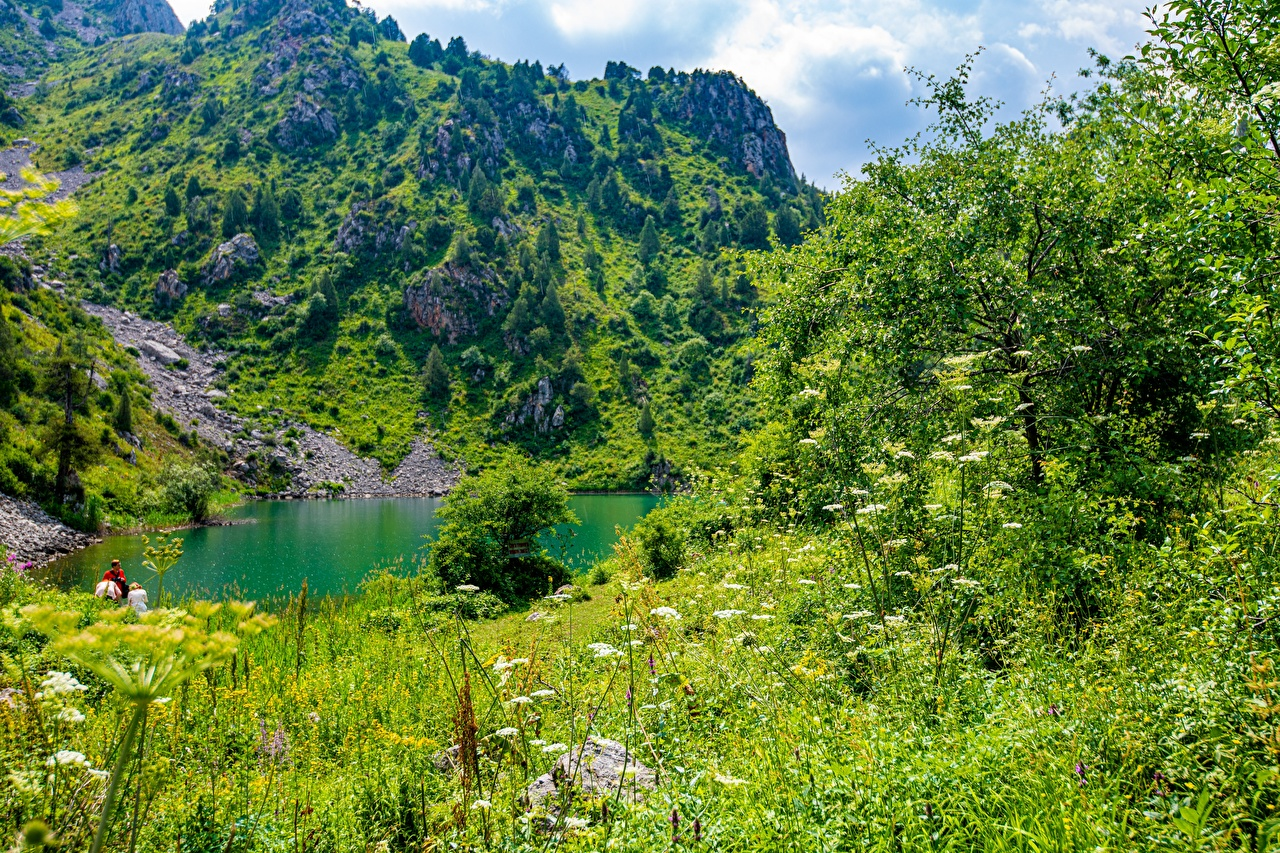 Bilder Sary-Chelek Lake, Kyrgyzstan Berg Natur See Gebirge