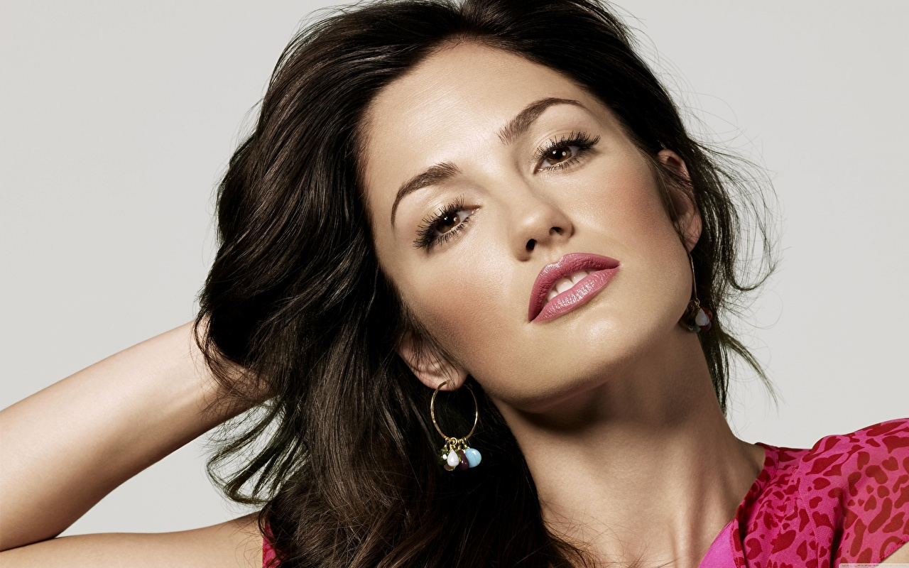 Image Minka Kelly Brunette girl Makeup Face female Glance Celebrities Gray background Girls young woman Staring