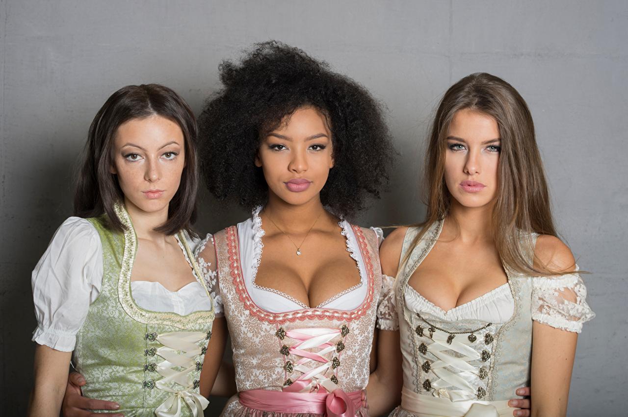 Sainabou, Vanessa, Janna Tres 3 Vestido Escote Contacto visual Uniforme Camarera mujer joven, mujeres jóvenes, trio Chicas