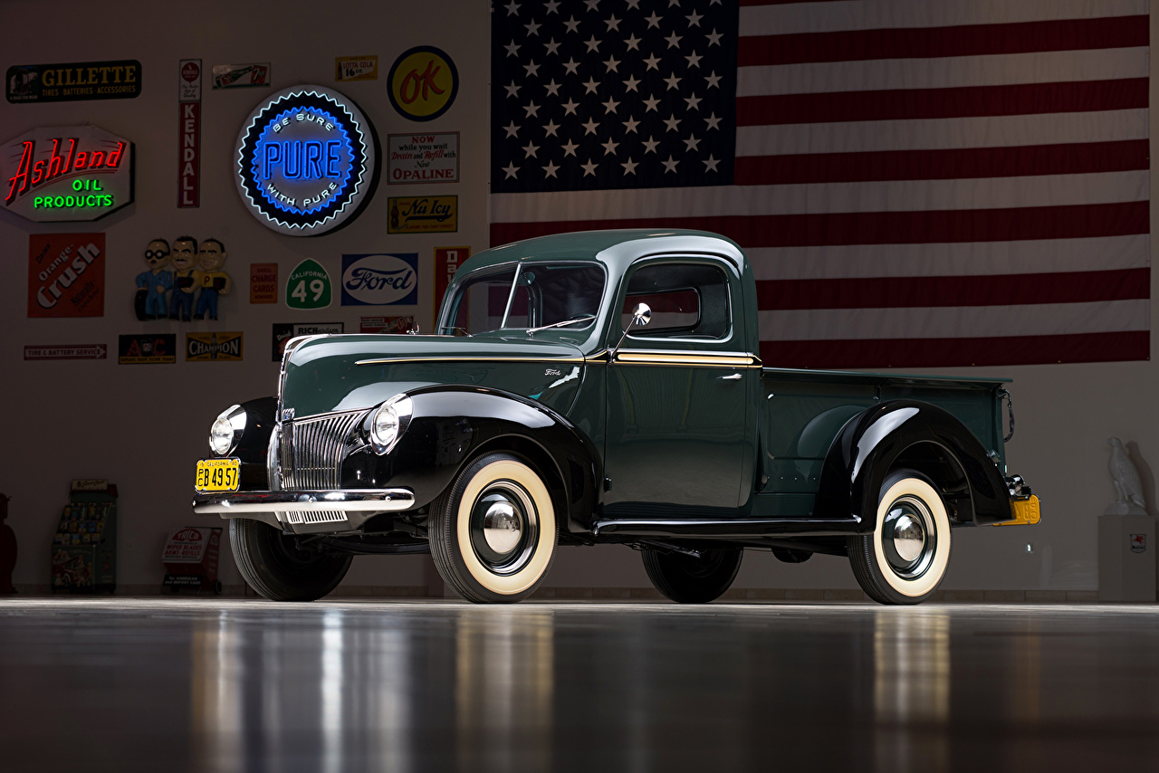 Desktop Wallpapers Ford vintage 1940 V8 Pickup Truck automobile Green Metallic Retro antique Cars auto