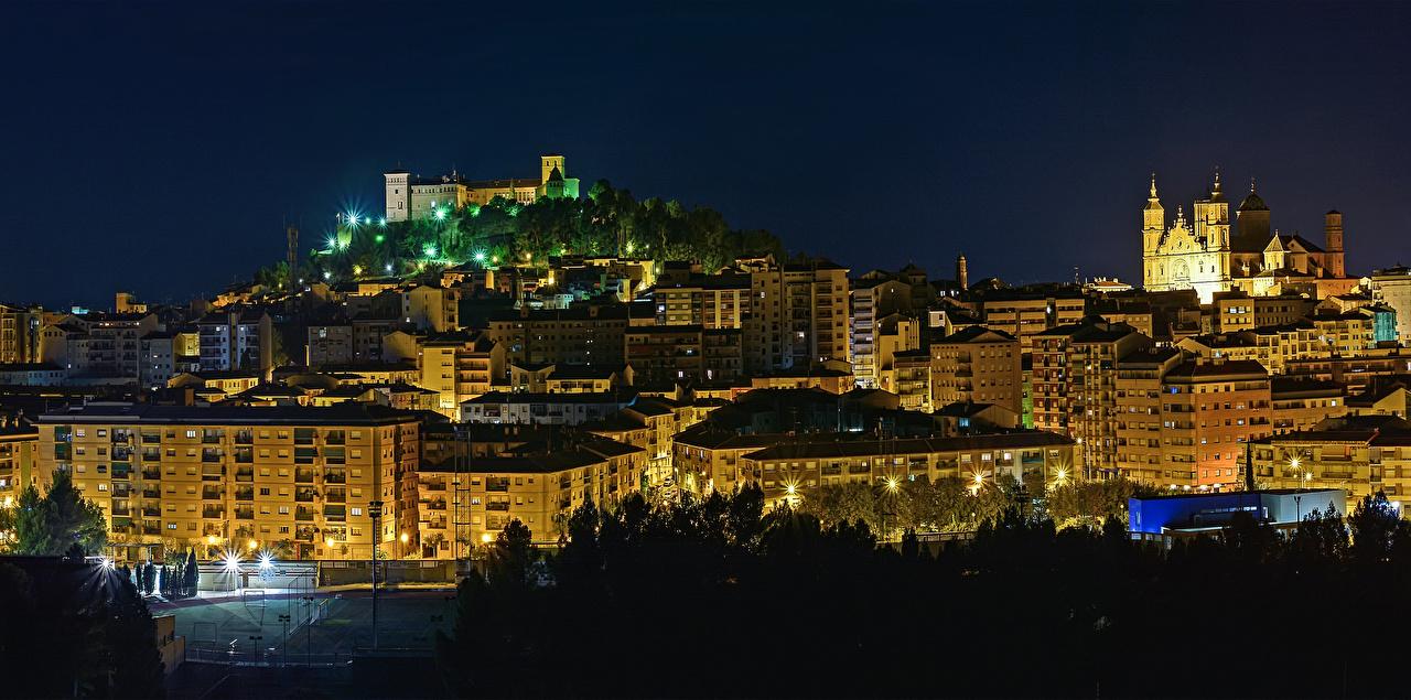 、スペイン、住宅、Alcaniz Aragon、夜、建物、都市、