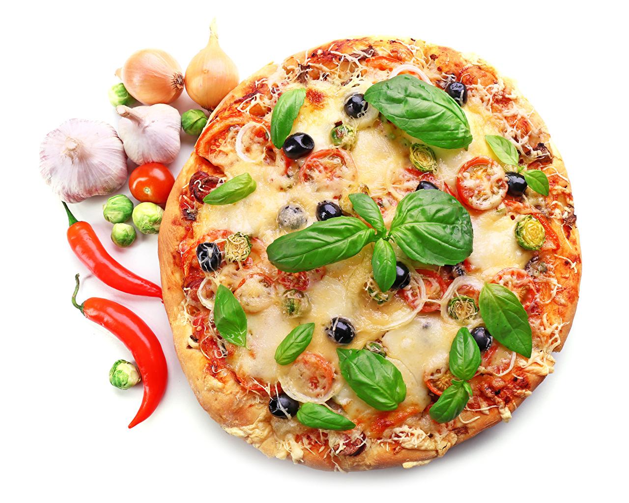 Bilder von Lebensmittel Blattwerk Pizza Knoblauch Fast food Peperone Basilikum Weißer hintergrund Blatt Königskraut Basilienkraut
