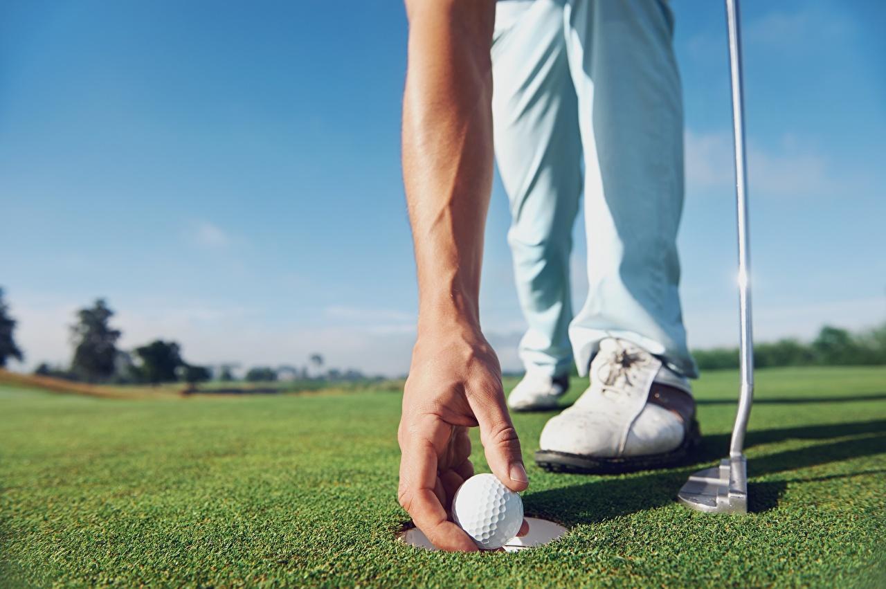 Photos Golf athletic Lawn Hands Balls Closeup Sport sports