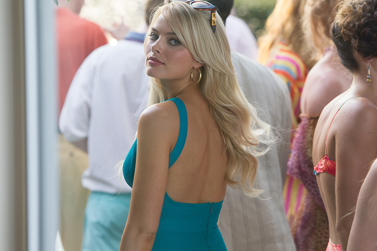 Images The Wolf of Wall Street (2013 film) Margot Robbie Blonde girl Human back female Movies Celebrities Girls young woman film