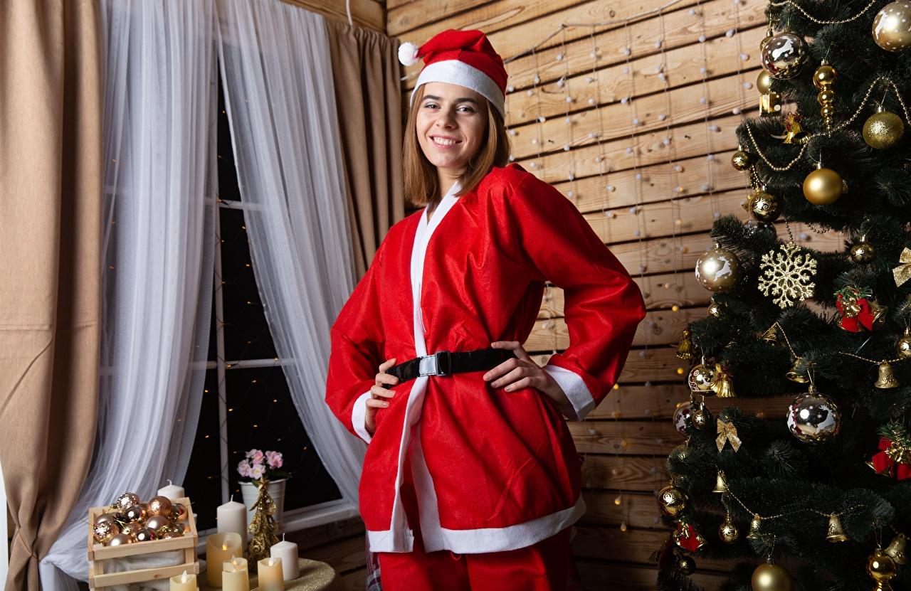 Bilder von Neujahr Lächeln Mütze Mädchens Weihnachtsbaum Kugeln Uniform Christbaum Tannenbaum