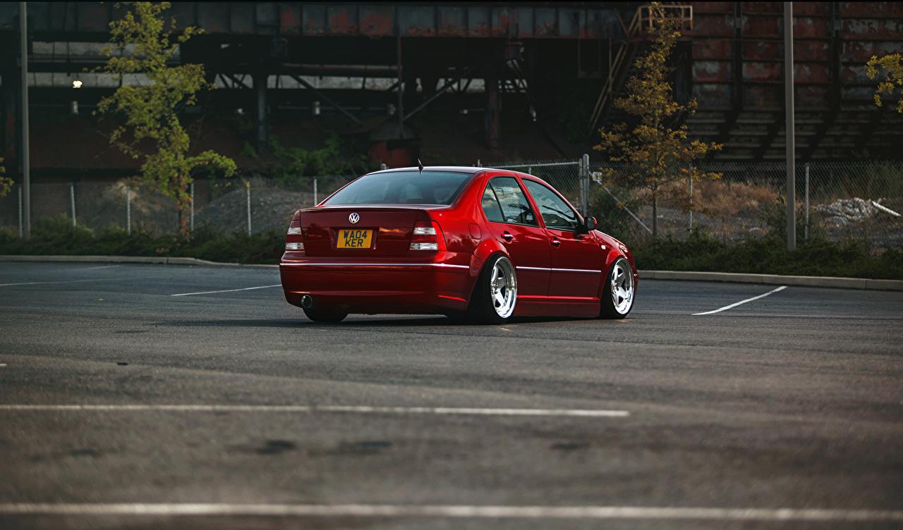 Papeis De Parede Volkswagen Jetta Mk4 Vermelho Estacionamento Carros Baixar Imagens