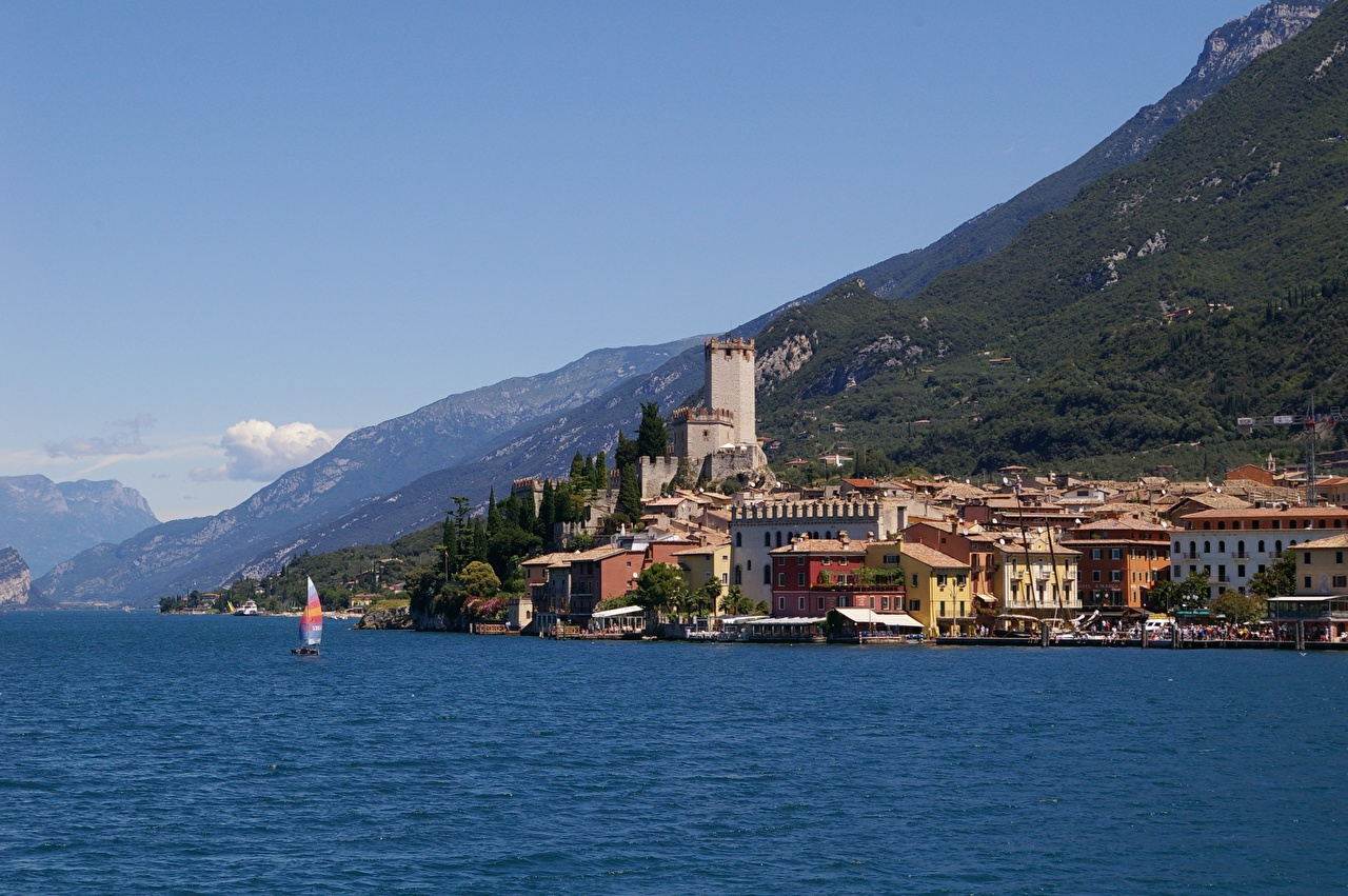 Photo Italy Lombardy, Sirmione, province of Brescia, Lake Garda Mountains Cities Building mountain Houses