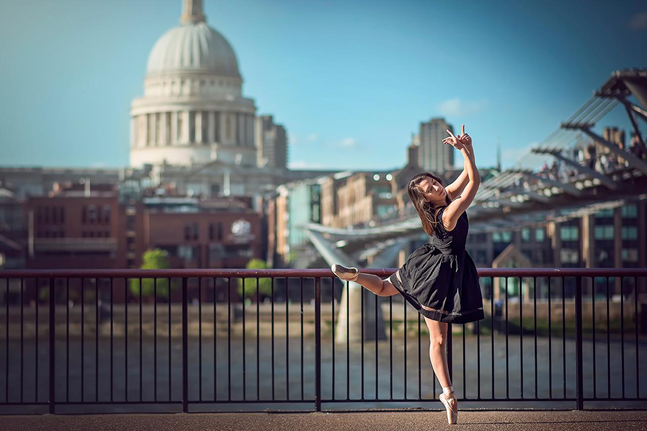 Immagini Londra Balletto Eponine Bougot giovani donne Recinzione Vestito ragazza Ragazze giovane donna Siepe Abito