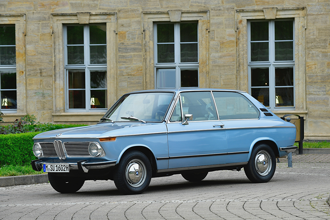 Image BMW 1971-73 1802 Touring antique Light Blue auto Metallic Retro vintage Cars automobile