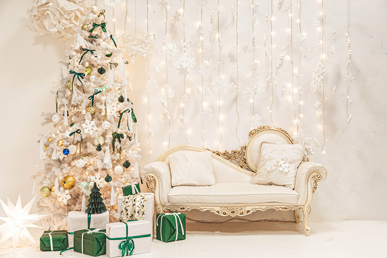 Desktop Wallpapers Christmas Christmas tree Gifts Interior Couch Balls Pillows New year New Year tree present Sofa