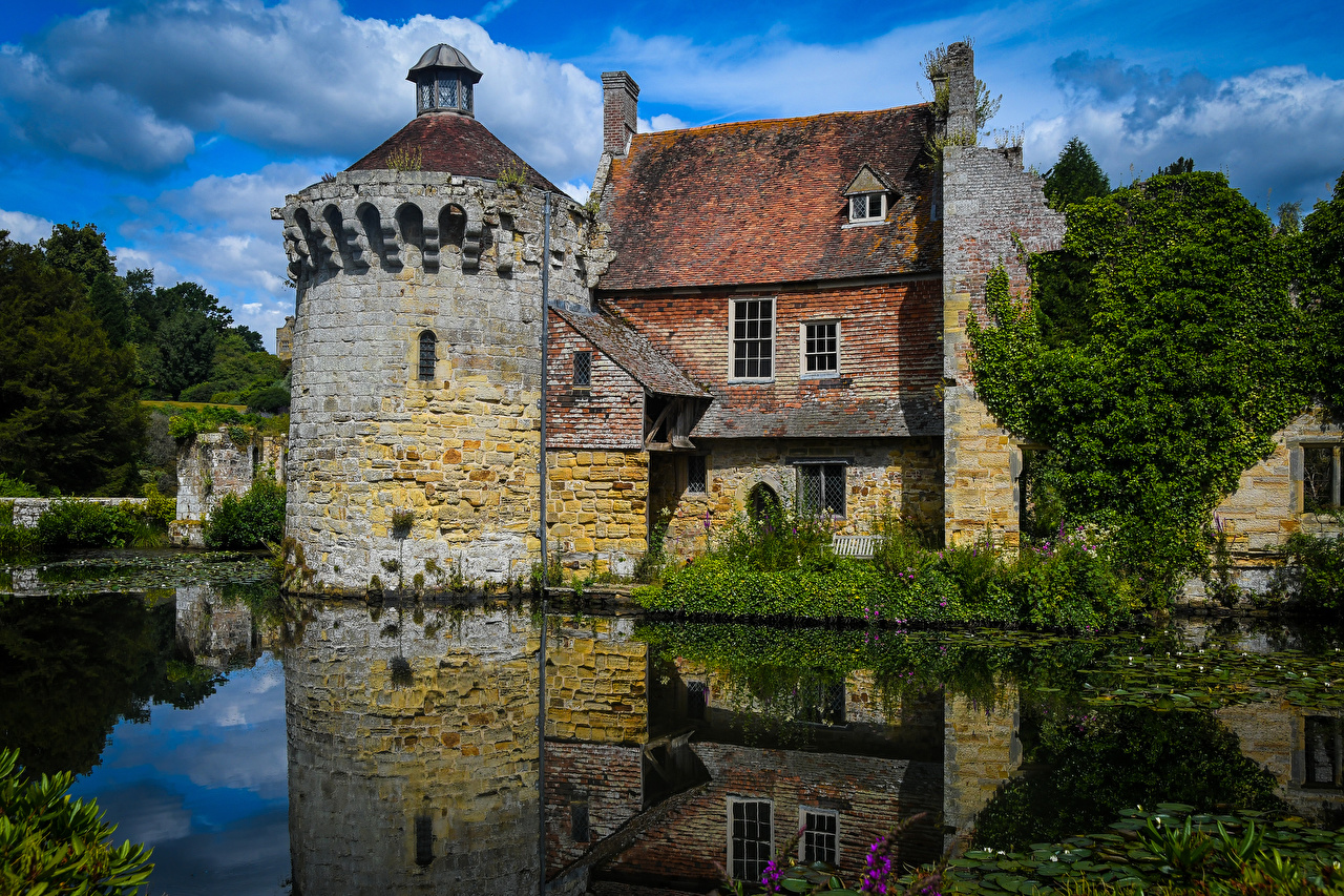 Images England Kilndown Pond reflected Houses Cities Reflection Building
