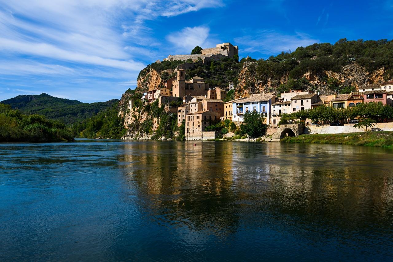 Achtergronden Fort Spanje Tarragona, Castle Miravet, Ebro river Burcht Rivieren een stad rivier Steden