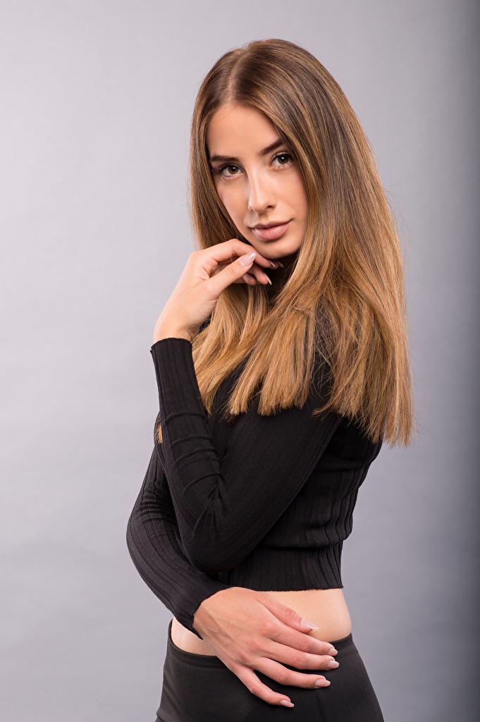 Brenda La pose Main Voir Aux cheveux bruns Cheveux jeune femme, jeunes femmes, Regard fixé, posant Filles pour Téléphone mobile