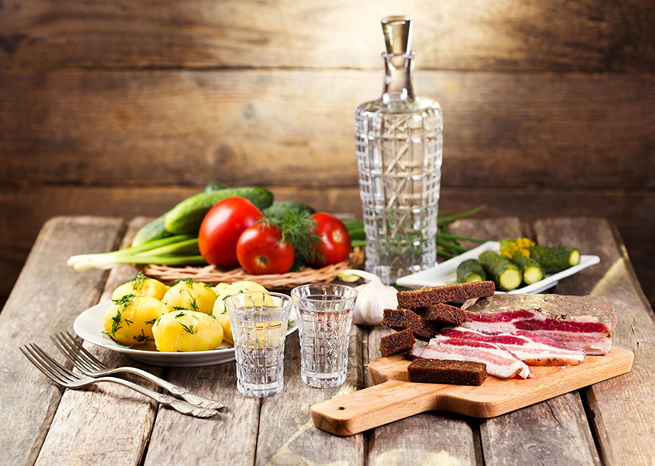https://s1.1zoom.me/big0/16/Drinks_Vodka_Vegetables_459677.jpg