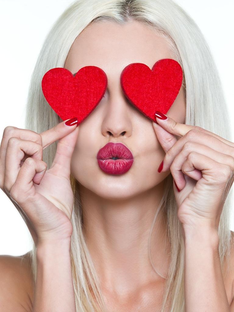 Fotos von Valentinstag Blond Mädchen Herz Zwei Mädchens Hand Blondine 2