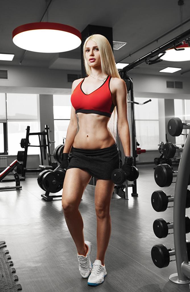 Bilder Blond Mädchen Fitness Sport Hanteln junge Frauen Bauch Uniform Blondine Hantel Mädchens junge frau sportliches
