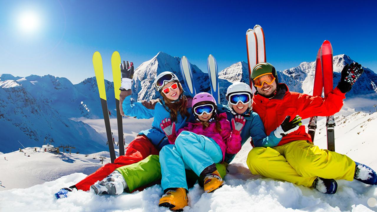 Fotos Helm Handschuh Sport Winter Schnee Brille Skisport