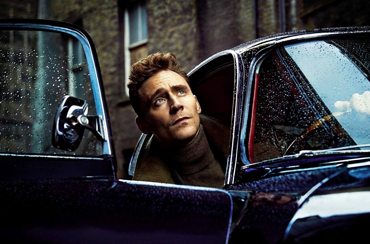 Pictures Tom Hiddleston Men Celebrities Man