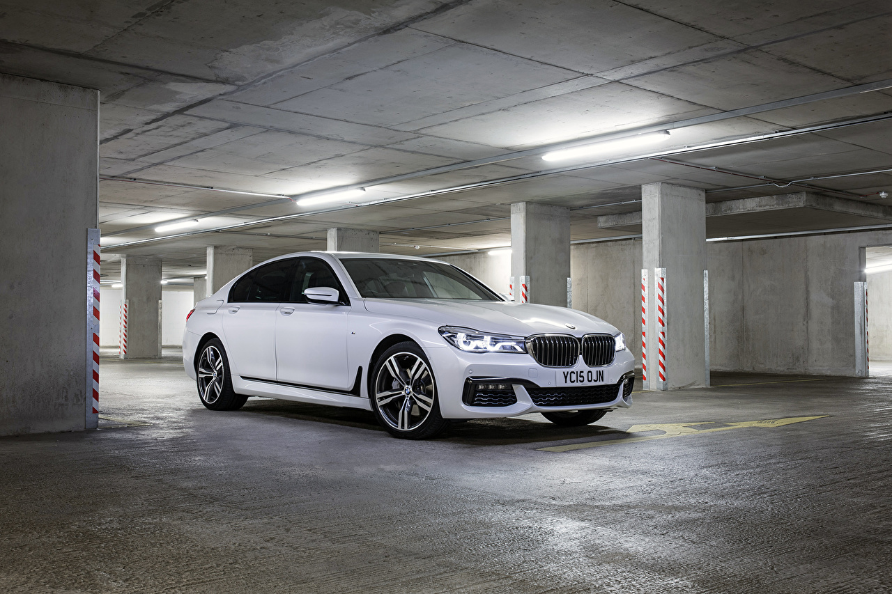 Images BMW 2015 M7 7-Series xDrive G11 White Cars auto automobile
