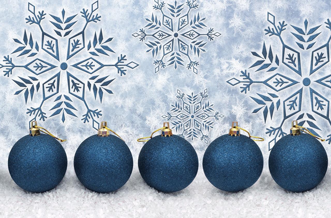 Foto Neujahr Schneeflocken Kugeln