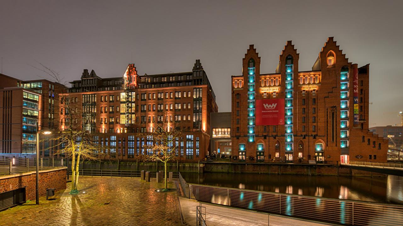 Image Hamburg Germany Maritimes Museum Street lights Cities Building Houses