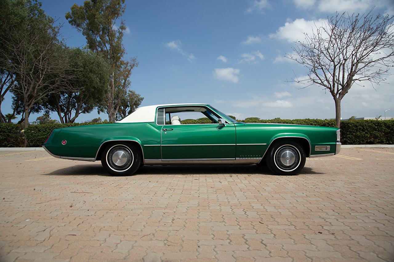 Photos Cadillac 1970 Fleetwood Eldorado (69347H) Retro Green Side Cars vintage antique auto automobile