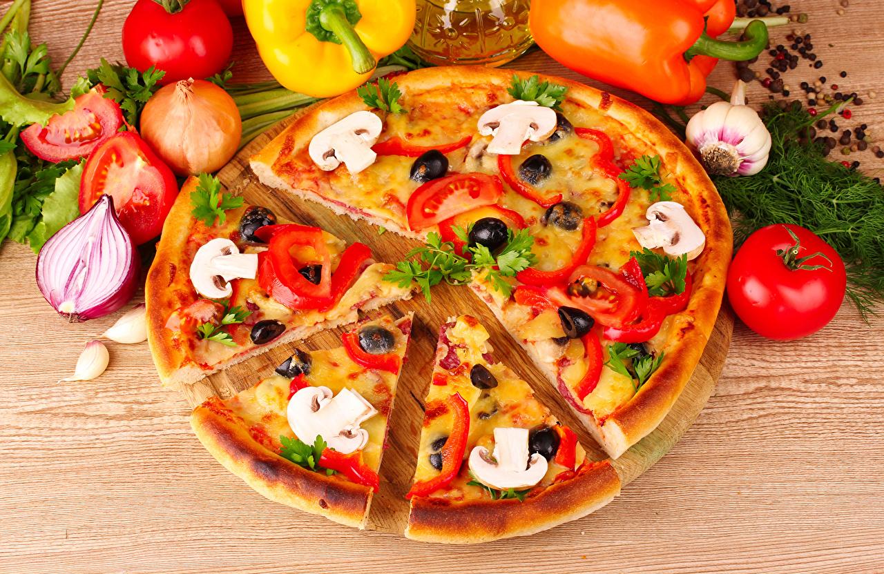 Desktop Hintergrundbilder Pizza Tomaten Zwiebel Dill Fast food Lebensmittel Tomate das Essen